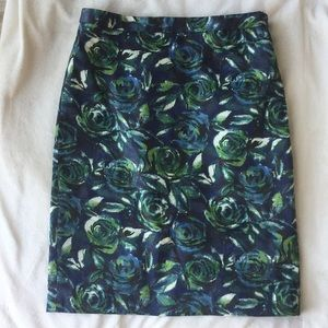 Blue and green rose Ann Taylor pencil skirt 0P